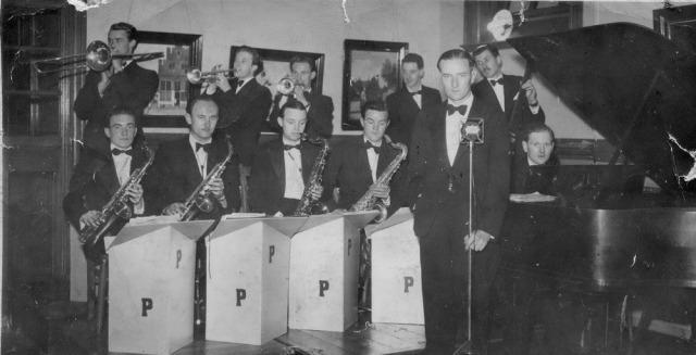 ThePathfinders_1949_CyfarthfaSchoolReunion_EmrysJones&NeilJones_Crop.jpg